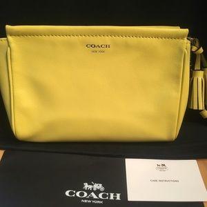 Coach leather Tassel zip Bag/purse/clutch/cosmetic